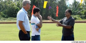 Armando Colaco (right) explaining to Wim Koevermans and Pushpargha Chatterjee