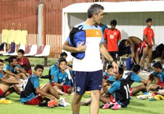 Scott O'Donell with the India U-16 national team