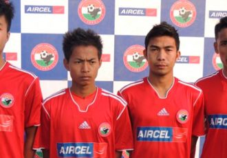 Aircel Campus Football 2013 Winners train with Shillong Lajong