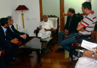 FIFA Delegation meet Kerala Chief Minister Oommen Chandy