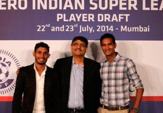 Mumbai ISL team presents Syed Rahim Nabi and Subrata Pal
