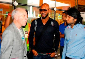 Nicolas Anelka arrives in Mumbai