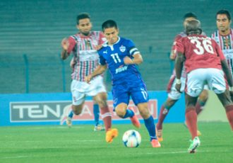 Sunil Chhetri (Bengaluru FC) in action against Mohun Bagan AC