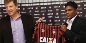 Atlético Paranaense presents Romeo Fernandes