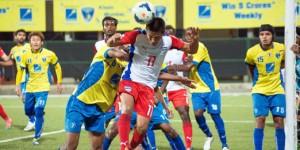 Sunil Chhetri (Bengaluru FC) attempts a header against Mumbai FC