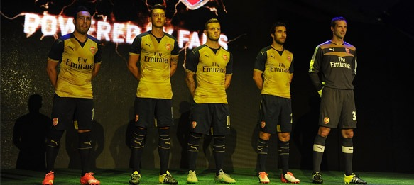 PUMA reveals 2015/16 Arsenal away kit at Fan Event in Singapore