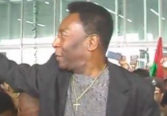 Pelé arrives in Kolkata