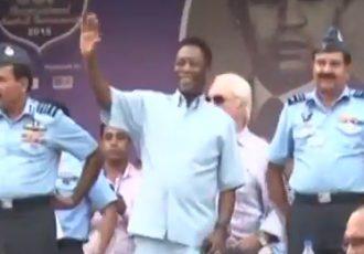 Pelé attends Subroto Cup 2015 Final in New Delhi