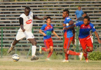 Mohammedan Sporting's James Moga in action against Gangtok Himalayan SC