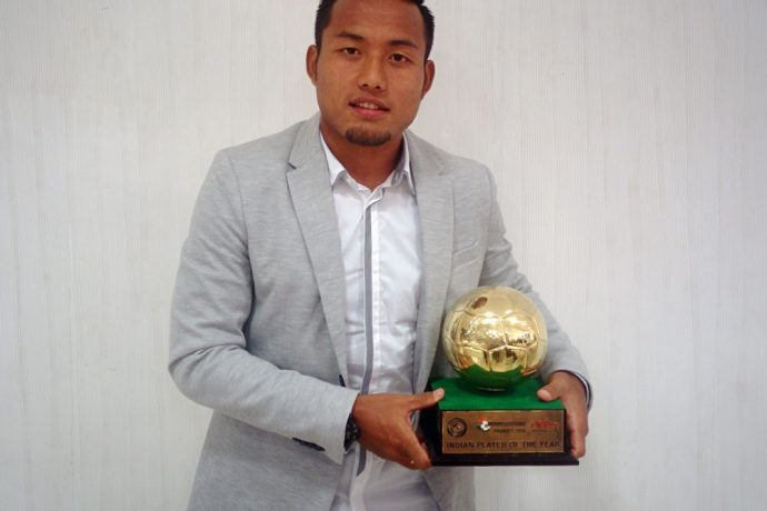 Jeje Lalpekhlua wins 2016 FPAI Indian Player of the Year Award