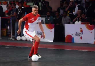Hernán Crespo in action for Kolkata 5s in the Premier Futsal league in India.