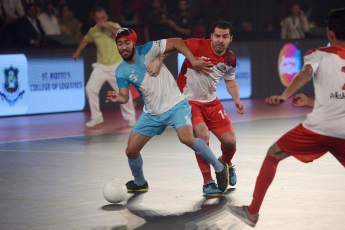 Mumbai 5's outclass Kolkata in Premier Futsal to seal the final berth