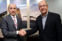 Qatar Airways Group Chief Executive, His Excellency Mr. Akbar Al Baker (left), pictured with Mr. Manel Arroyo – Vice President of Marketing and Communication FC Barcelona (right).