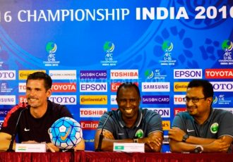 India U-16 coach Nicolai Adam (left) and Saudi Arabia U-16 coach Mohammed Abdullah Al Abdali (center).
