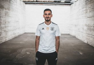 Ilkay Gündogan presents the new Germany home jersey made by adidas for the 2017 FIFA Confederations Cup (Photo courtesy: DFB)
