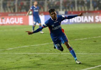 Romeo Fernandes of FC Goa celebrates his match winning goal against NorthEast United FC (Photo courtesy: FC Goa)