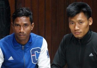 Mohammedan Sporting Club sign Phoolchand Hembrom and Reisangmei Vashum (Photo courtesy: Mohammedan Sporting Club)