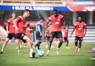 Bengaluru FC midfielder Cameron Watson (L) and striker Roby Norales in training at the Sree Kanteerava Stadium (Photo courtesy: Bengaluru FC)