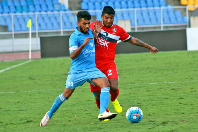 Brandon Fernandes (Churchill Brothers SC) and Nirmal Chettri (DSK Shivajians FC) in a midfield battle (Photo courtesy: I-League Media)