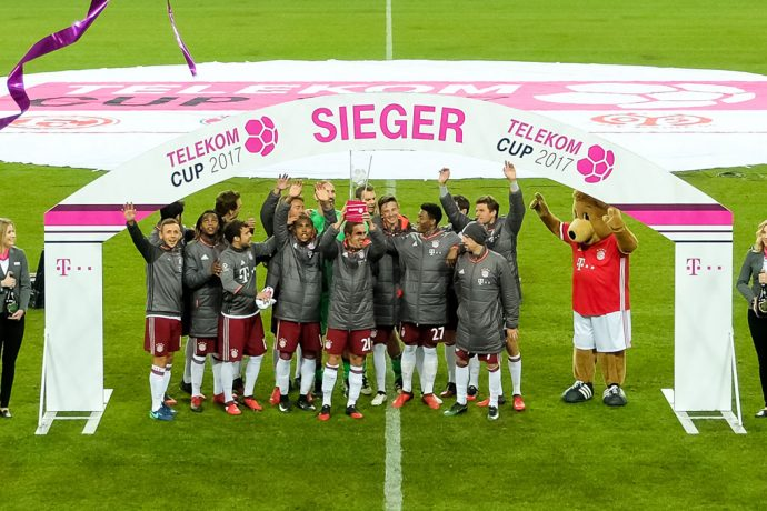FC Bayern Munich lift the Telekom Cup 2017 (© Telekom)