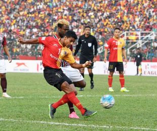 Kolkata Derby between East Bengal Club and Mohun Bagan AC in the 2016/17 I-League (Photo courtesy: I-League Media)