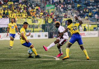 Match action during the I-League encounter Mumbai FC v Mohun Bagan AC (Photo courtesy: I-League Media)