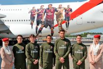 Emirates and AC Milan surprised travellers at Milan Malpensa International Airport with the unveiling of an A380 sporting a special AC Milan livery. (Photo courtesy: Emirates)