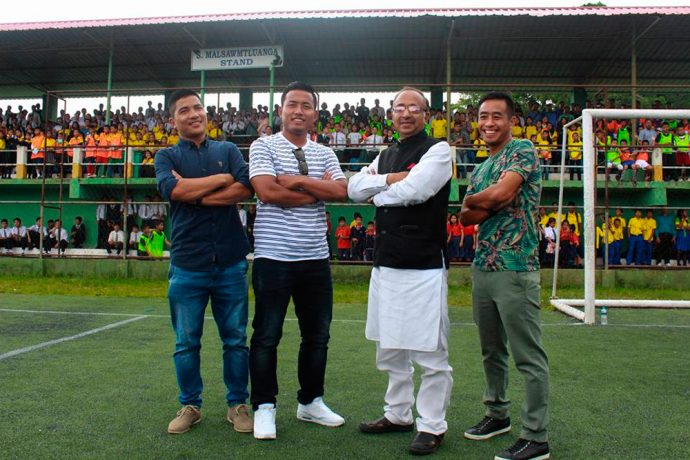 Robert Lalthlamuana, Jeje Lalpekhlua, Vijay Goel and Shylo Malsawmtluanga at the Mission XI Million Festival in Aizawl (Photo courtesy: AIFF Media)
