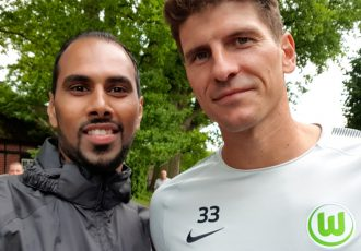 Chris Punnakkattu Daniel (CPD Football) and VfL Wolfsburg and Germany star Mario Gomez.