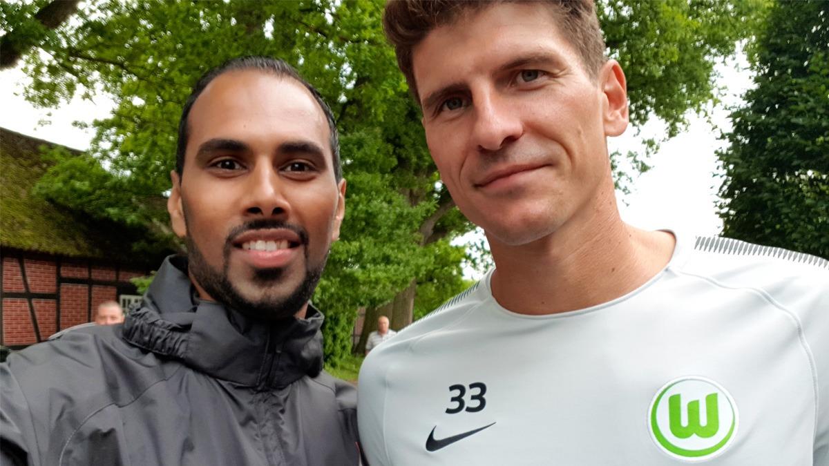 NamasteFootball VfL Wolfsburg training camp and meeting Mario Gomez
