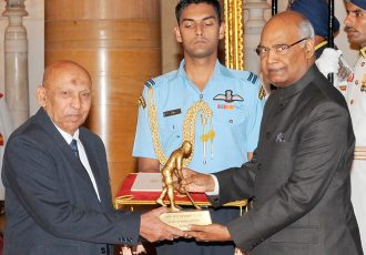 The President, Shri Ram Nath Kovind presenting the Dhyan Chand Award, 2017 to Shri Syed Shahid Hakim for Football, in a glittering ceremony, at Rashtrapati Bhavan, in New Delhi on August 29, 2017. (Photo courtesy: Press Information Bureau, Government of India)