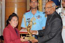 The President, Shri Ram Nath Kovind presenting the Arjuna Award, 2017 to Ms. Oinam Bembem Devi for Football, in a glittering ceremony, at Rashtrapati Bhavan, in New Delhi on August 29, 2017. (Photo courtesy: Press Information Bureau, Government of India)