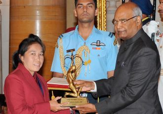 The President, Shri Ram Nath Kovind presenting the Arjuna Award, 2017 to Ms. Oinam Bembem Devi for Football, in a glittering ceremony, at Rashtrapati Bhavan, in New Delhi on August 29, 2017. (Photo courtesy: Press Information Bureau, Government of India)