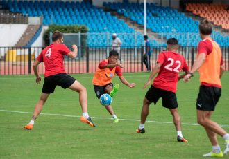 Udanta Singh (Orange) tries to curl one in at the far post during a training session ahead of Bengaluru FC's Inter-Zonal semifinal against 4.25 SC at the Kanteerava Stadium, in Bengaluru, on August 22nd. (Photo courtesy: Bengaluru FC)