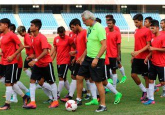 Head coach Luís Norton de Matos with his India U-17 national team (Photo courtesy: AIFF Media)