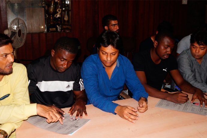 Mohammedan Sporting register Dicka, Kalu and five others at IFA Office (Photo courtesy: Mohammedan Sporting Club)