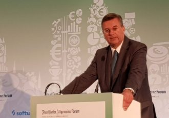 DFB President Reinhard Grindel at the #3 International Frankfurt Football Summit 2017 (© CPD Football)