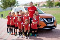 Gareth Bale celebrates Nissan's global partnership with UEFA Champions League (Photo courtesy: Nissan)