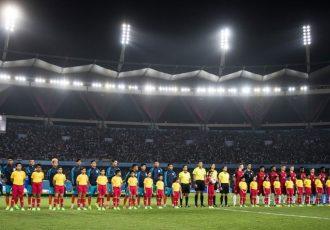 The India U-17 and United States U-17 national teams moments before the kick off of the FIFA U-17 World Cup India 2017 Group A match. (Photo courtesy: AIFF Media)