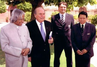 Dr. A. P. J. Abdul Kalam, Sepp Blatter, Jérôme Champagne and Priya Ranjan Dasmunsi. (Photo courtesy: AIFF Media)