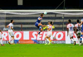 Bengaluru FC's Australian midfielder Erik Paartalu scores the opening goal against Delhi Dynamos in an Indian Super League fixtures at the Kanteerava Stadium, in Bengaluru (Photo courtesy: Bengaluru FC)