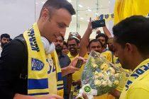 Manjappada Kerala Blasters Fans welcome Dimitar Berbatov at Kochi Airport (Photo courtesy: Manjappada Kerala Blasters Fans)