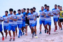 The Gokulam Kerala FC squad during a beach training session. (Photo courtesy: Gokulam Kerala FC)