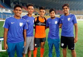 India captain Sunil Chhetri with India U-16 internationals Rohit Danu, Ravi Rana Bahadur, Gurkirat Singh and Ricky John Shabong. (Photo courtesy: AIFF Media)