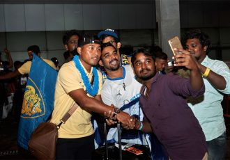 Jeje Lalpekhlua spends time with some of the Chennaiyin FC fans. (Photo courtesy: Chennaiyin FC)