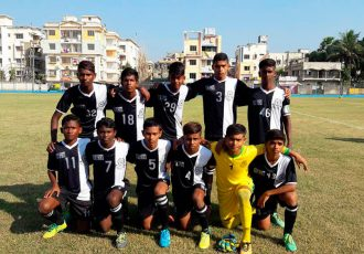 Mohammedan Sporting Club U-13 team ahead of a U-13 Youth League match. (Photo courtesy: Mohammedan Sporting Club)
