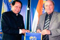 Priya Ranjan Dasmunsi and Joseph S. Blatter (Photo courtesy: AIFF Media)