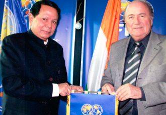 Priya Ranjan Dasmunsi and Joseph S. Blatter (Photo courtesy: AIFF Media)