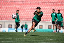 Bengaluru FC midfielder Boithang Haokip takes a shot in training (Photo courtesy: Bengaluru FC)