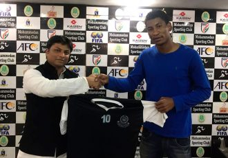 Mohammedan Sporting sign former Trinidad & Tobago international Willis Deon Plaza (Photo courtesy: Mohammedan Sporting Club)